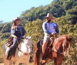 Canopy-River-Horseback-Riding-Tour